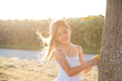 Mädchen, baum, Sommerabend